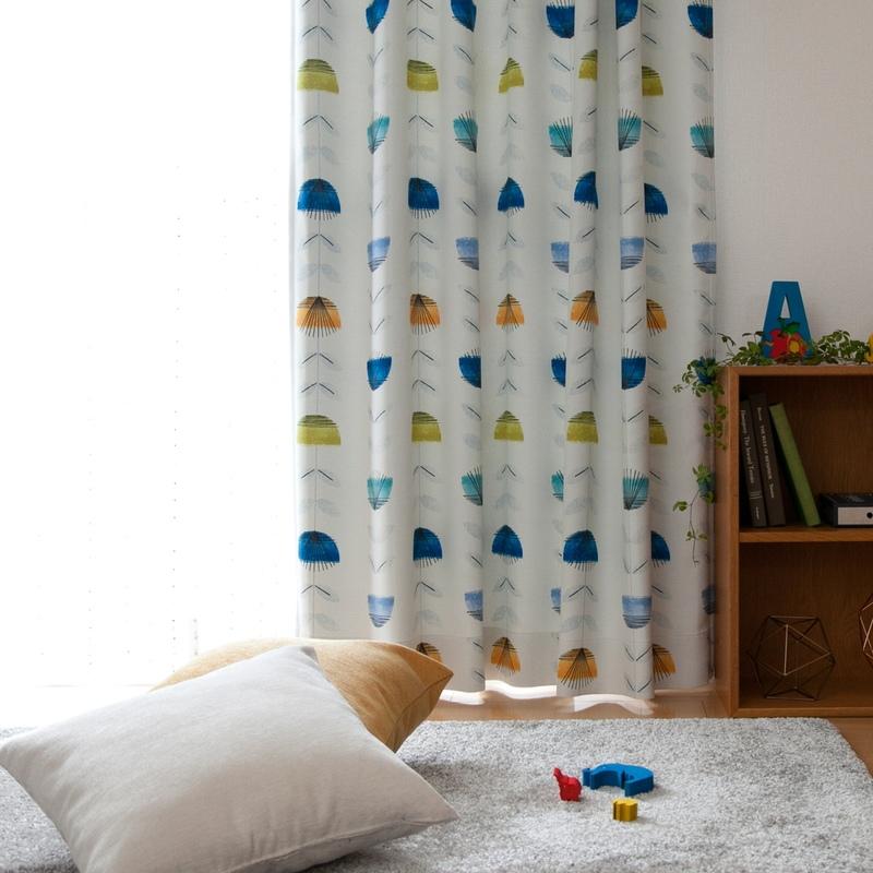 抽象的な花柄デザイン&カジュアルカラー遮光2級カーテン【オマット BL】ブルー